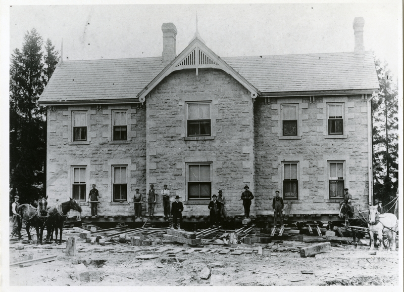 Photograph of the President's House being moved, 1912